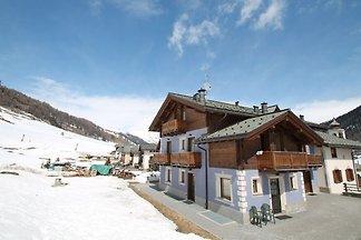 Modern Holiday Home in Livigno Italy near Ski...