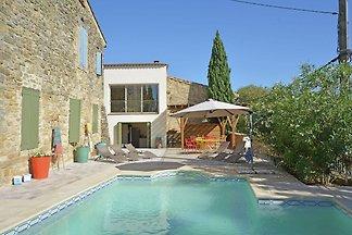 Gemütliche Villa in Castelnau-Valence mit pri...