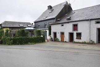 Schönes Ferienhaus in Neufchâteau am Wald