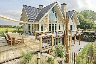 Luxuriöses Ferienhaus mit privatem Pool in...