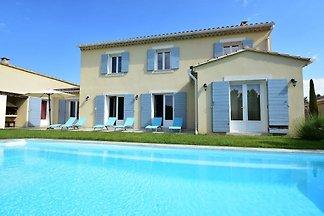 Geräumige Villa in Vaison-la-Romaine mit...