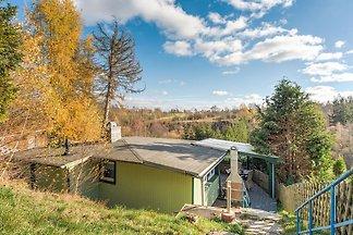Schöne lichtdurchflutete Hütte in Waldnähe in...