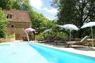 Fraai Périgord-vakantiehuis aan privébos in g...