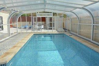 Moderne Villa mit Swimmingpool in Torrevieja