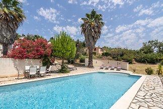 Luxuriöse Villa mit privatem Pool in Beaufort