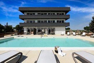 Geräumige Villa in Poljica mit Swimmingpool