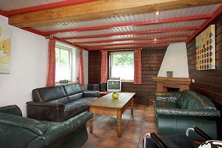 Vrijstaand vakantiehuis in Reusel midden in d...