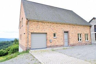 Schönes Ferienhaus in Hastière in Waldnähe