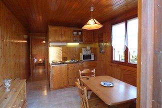 Holz-Chalet in Lotharingen mit möbliertem...