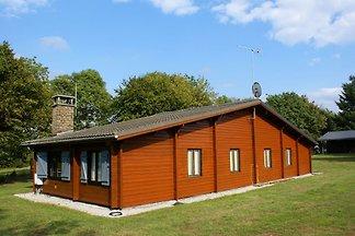 Gemütliches Ferienhaus in Hour mit Sauna