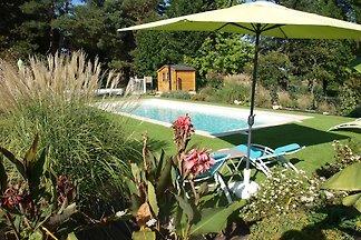 Vintage-Cottage in Peyzac-le-Moustier mit...