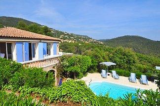 Traumhafte Villa in La Londe-les-Maures mit p...