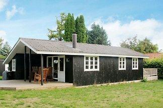Stege: Gemütliches Ferienhaus, Außendusche, 4...