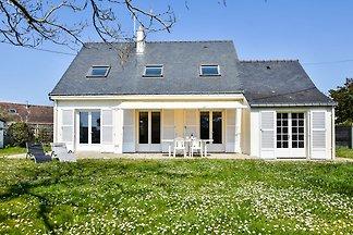 Ruhiges Ferienhaus mit Garten in Pénestin, 30...