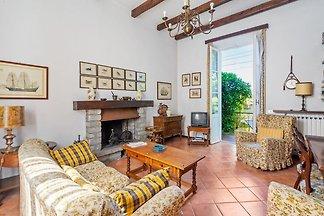 Unabhängige Villa mit Garten in Meina