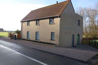 Charmantes Ferienhaus in Zuienkerke mit...