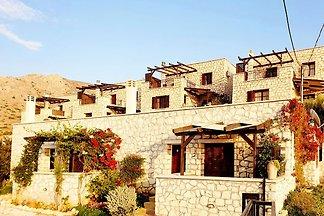 Idyllisches Ferienhaus in Lagkada bei Makrigi...