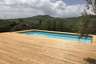 Geräumiges Ferienhaus in Sizilien mit Pool