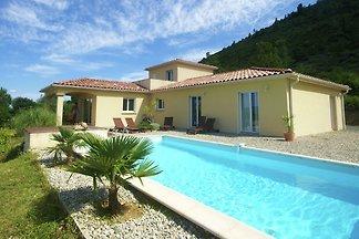 Atemberaubende Villa mit Talblick in Les Vans