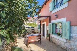 Komfortables Ferienhaus Gianni für bis zu 4...