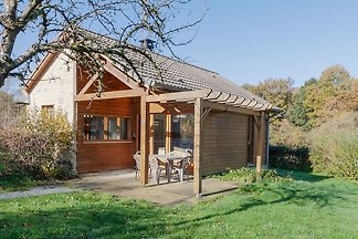 Vornehmes Ferienhaus in Signy le Petit mit Wh...