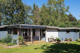 Geräumiges Ferienhaus in Seeland mit Terrasse