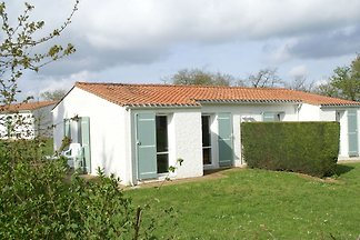 Doppelhaushälfte mit Mikrowelle, in Vendée