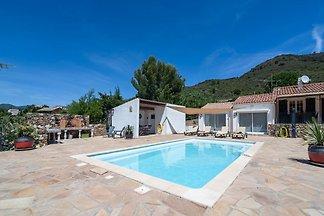 Schöne Villa in Roquebrun mit beheizbarem, ei...