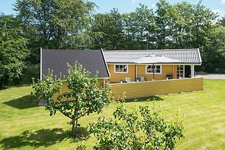 Geräumiges Ferienhaus in Jütland mit Terrasse
