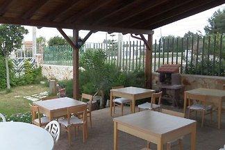 Circe liegt 700 Meter vom Strand von Sant'Isi...