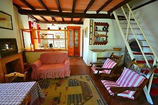 Spaziosa Casa Vacanze con Piscina a San Marce...