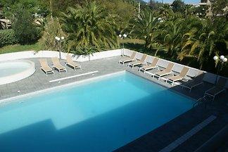 Tolles restauriertes Haus mit Swimmingpool be...