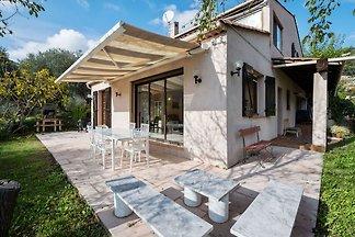 Ruhiges Haus in Drap mit Swimmingpool