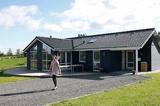 Modernes Ferienhaus in Skals mit Whirlpool