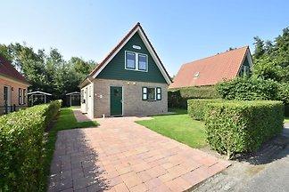 Komfortables Ferienhaus in Zonnemaire in...