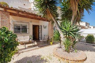 Modernes Ferienhaus in Valencia mit...