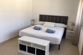 Schöne Villa in Nijar mit Salzwasserpool