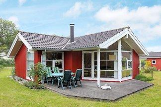 Modernes Ferienhaus mit Grill in Lolland