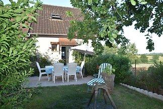 Ruhiges Ferienhaus mit Swimmingpool in Vignol
