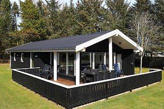 Modernes Ferienhaus in Saltum mit Terrasse