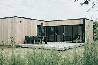 Modernes Chalet mit Terrasse unweit des Stran...