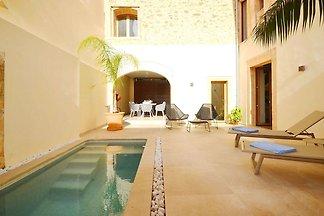 Hochwertiges modernes Stadthaus in Petra mit ...
