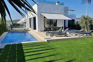 Üppige Villa in Orihuela mit Solarium, Pool
