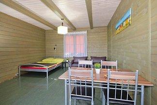 Gemütliches Cottage in Cisowo mit Garten