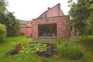 Schönes Ferienhaus mit Terrasse in Le Bizet