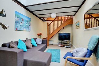 Swanky Holiday Home in Saint Merryn with...