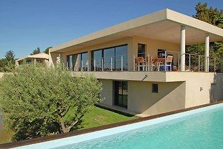 Schöne Villa in Rochefort-du-Gard mit eigenem...