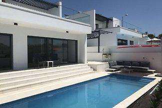 Moderne Villa in Lissabon mit Pool und...