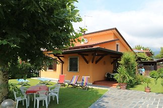 Detached bungalow and covered terrace in enjo...