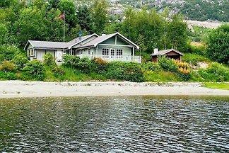 4 Sterne Ferienhaus in jørpeland
